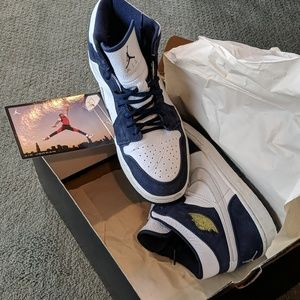 Air Jordan 1 Retro + Wht/metallic silver-mid navy